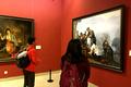 姜中立创作历史题材油画《红军医生龙思泉》