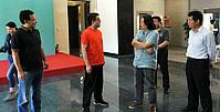 陈浙闽同志在万博manbetx安卓版画院参观调研