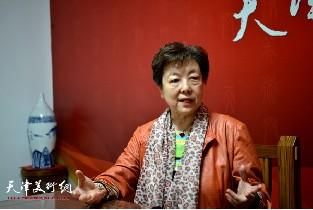 视频:服饰文化学家华梅做客天津美术网