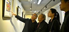 高清图:王绍棠版画作品展开幕 艺术再现风土人情
