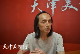 视频:著名画家万志新做客天津美术网