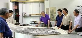 天津书画家到访高杰艺术工作室 参观长征路写生作品