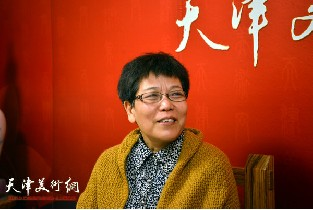 视频:著名画家李娜做客天津美术网