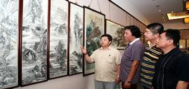 """高清图:""""庆七一 中国梦""""书画展在天津古文化街举办"""