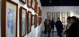高清图:天津首届百名艺术家瓷板艺术邀请展在广业美术馆开幕