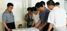 高清图:天津书画艺术家走进校园送墨香、传书艺