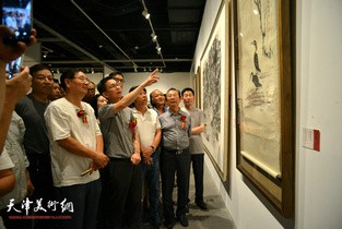 视频:灵岩墨藻-李墨画展在天津美术馆展出