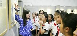 高清图:第四届河西区中小学师生藏书票作品展开幕 500余幅作品参展