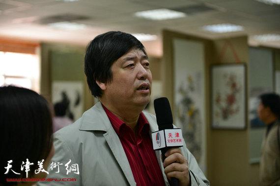 著名画家陈元龙接受采访