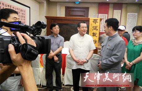 同心共筑中国梦·王冠峰百种书法巡回展在京举行