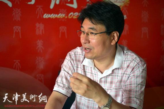 我国著名平面设计家、第六届东亚运动会吉祥物设计者、天津美术学院设计艺术学院长郭振山做客天津美术网。