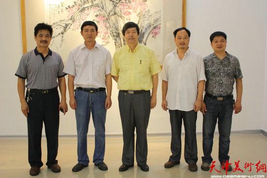 陈元龙与东营市美协领导合影