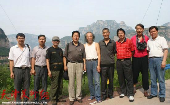 天津画家太行山大峡谷采风收获颇丰