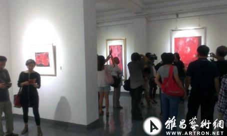 """""""《逆光》——杨喜发2013绘画展""""日前在798艺术区""""感叹号""""开幕"""