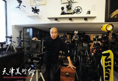 天津人王毅在悉尼创办百年相机博物馆