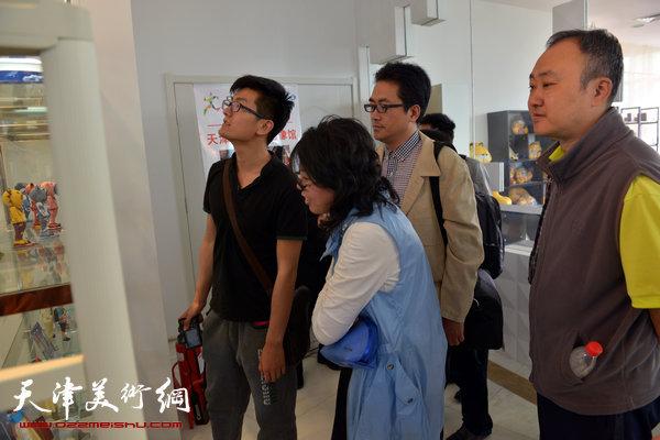 天津首家3D造像馆的技术吸引了画家
