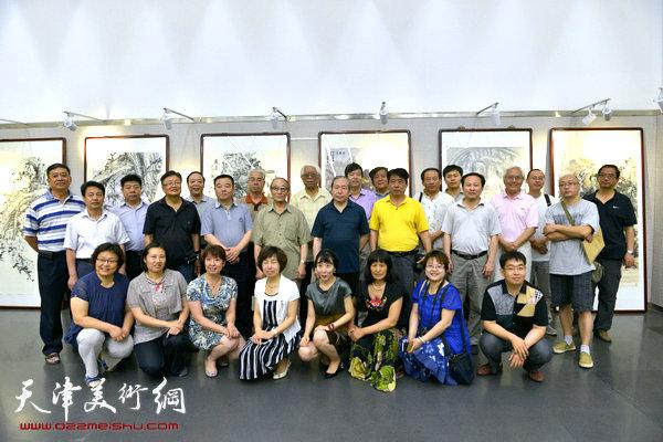 天津师范大学书画院作品展6月9日在天津图书馆开幕。