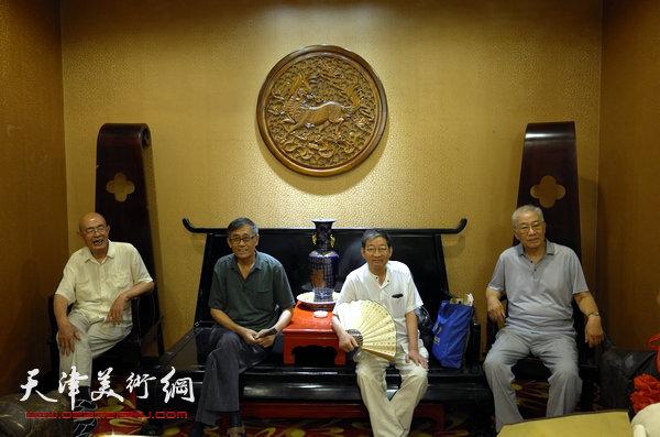 图为姜仲圣,刘光炎,王承尧,孟继祥(左起)。