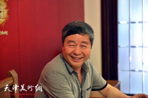 著名书画家爱新觉罗・毓峋做客天津美术网