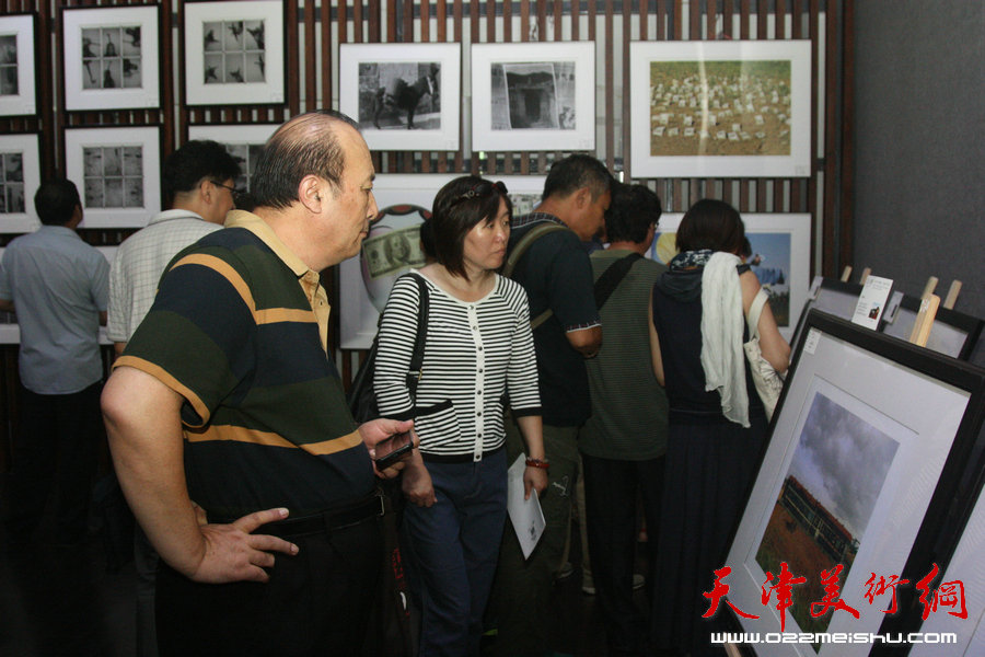 """""""本·源 天津当代摄影、绘画艺术展""""在智慧山艺术中心开展"""