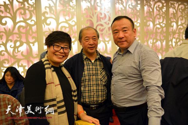 贾冰吾与天津美协主席王书平在一起