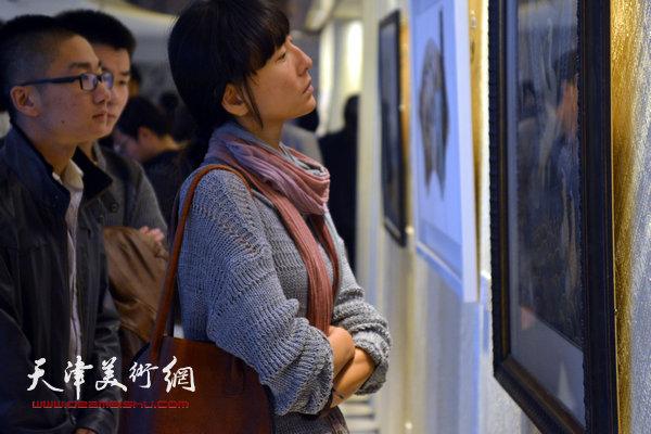 ART TOMSON当代抽象艺术展汤臣津湾一品盛大开幕,图为现场。
