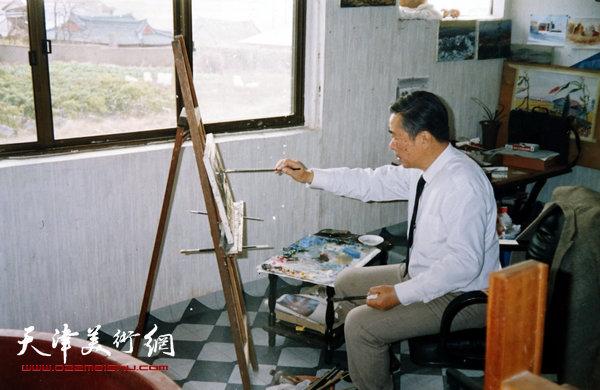邓家驹在作画(1993年)