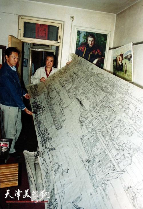 邓家驹上世纪90年代在创作《漕运图》时的情景