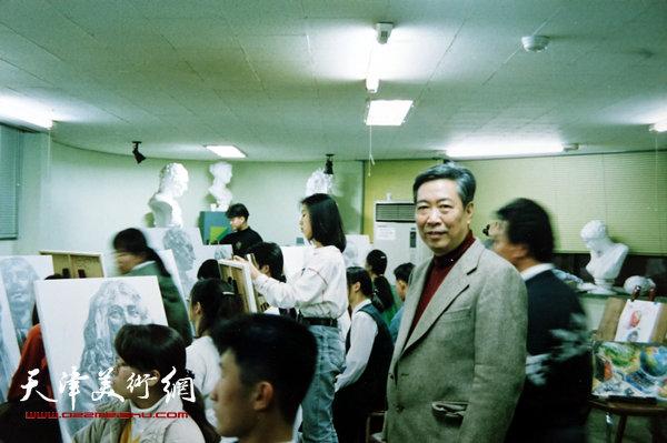 邓家驹在韩国访问(1993年)