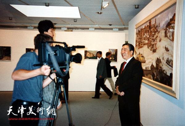 邓家驹1996年在联合国举办的画展上
