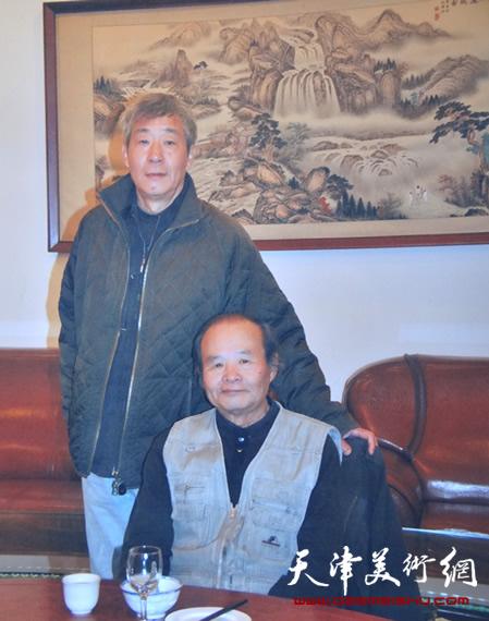 张亚光和恩师张世范(右)在一起