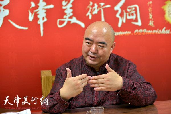 著名书画家尹沧海做客天津美术网