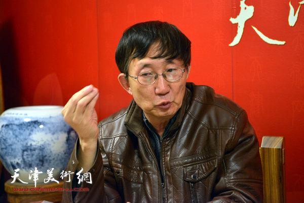 著名画家王时做客天津美术网