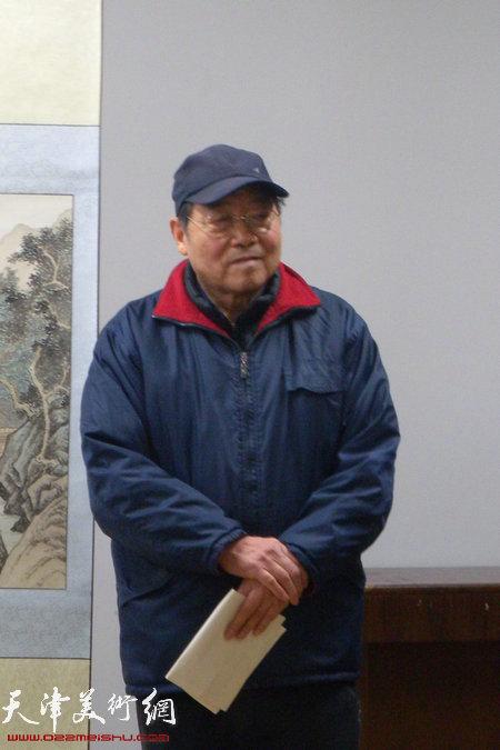 瑞江书画院副院长皇甫秉钧主持
