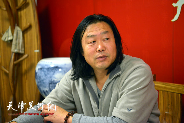 著名画家刘学峰做客天津美术网