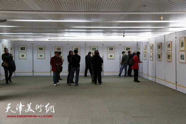 版画家王胜红画展展厅一角