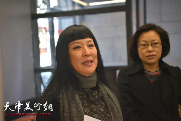 纪念范闻泽—天津美院女同学会作品联展在天美时代举行