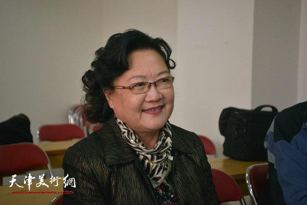 """""""海河天山情国画精品联展""""4月15日在津召开创作动员会,图为刘正讲话。"""