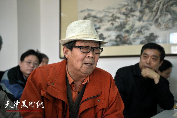 """""""海河天山情国画精品联展""""4月15日在津召开创作动员会,图为郭永元讲话。"""