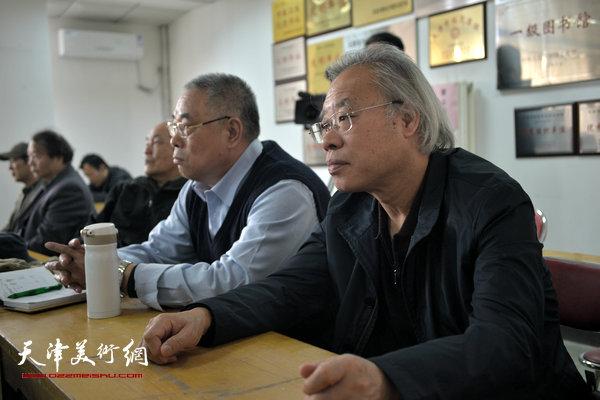 """""""海河天山情国画精品联展""""4月15日在津召开创作动员会,图为王金厚。"""
