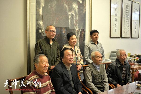 吴泽浩夫妇与纪振民、姬俊尧、庄征、张养峰、包仲川在天津美术网