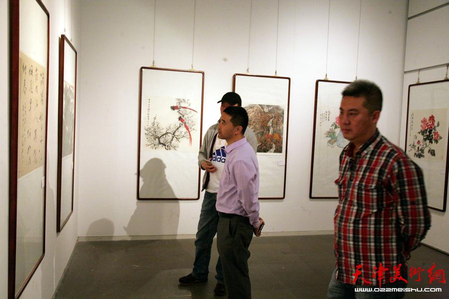 """""""津门画语""""津门书画院第五届年展在天津美术馆开展,图为展览现场。"""