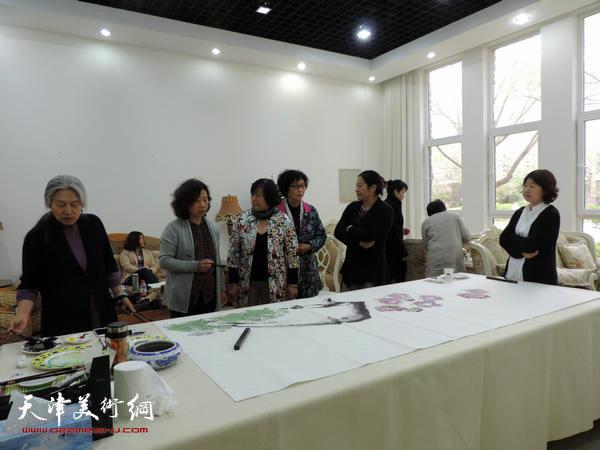 北京、河北女画家展前笔会