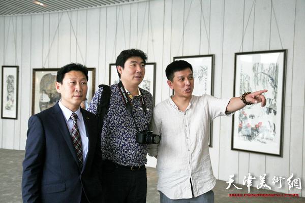 """""""冲·和""""乙未孙列中国画艺术展在萨马兰奇纪念馆开展,图为"""