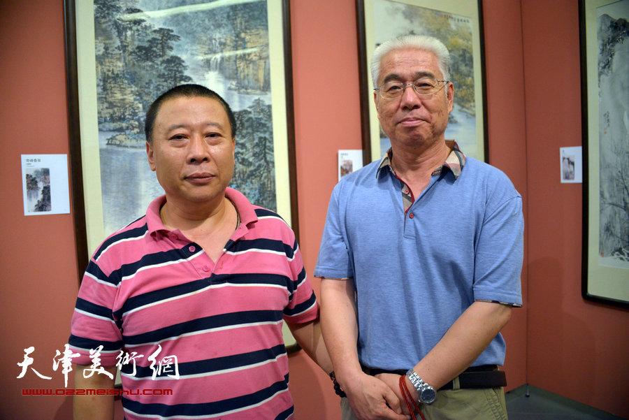首届天津市美术家协会山水画专业委员会山水画展览在天津美术馆开幕,图为展览现场。