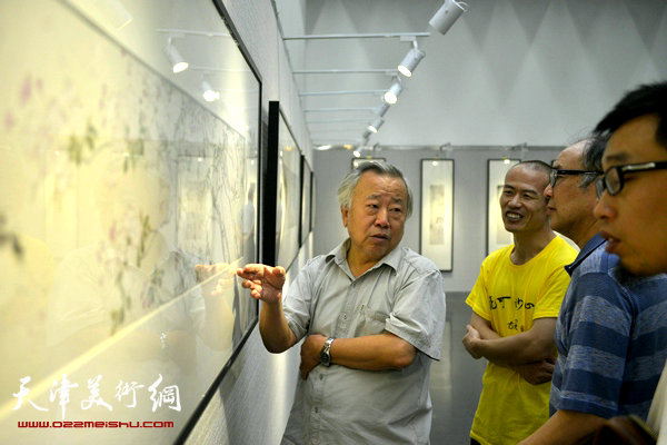 悦可妙心—张建永中国画小品展在天津图书馆开展,图为