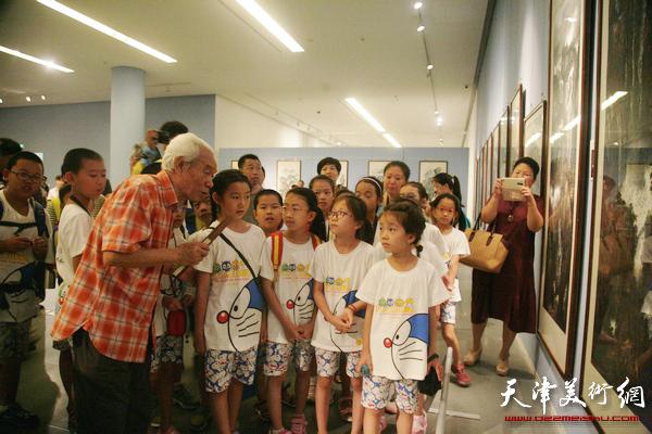 天津首届山水画大展应广大观众要求延长展期