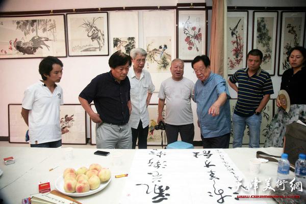 依托天津鼓楼商业街文化效应,旨在弘扬传统文化,研究高品位的书画艺术图片