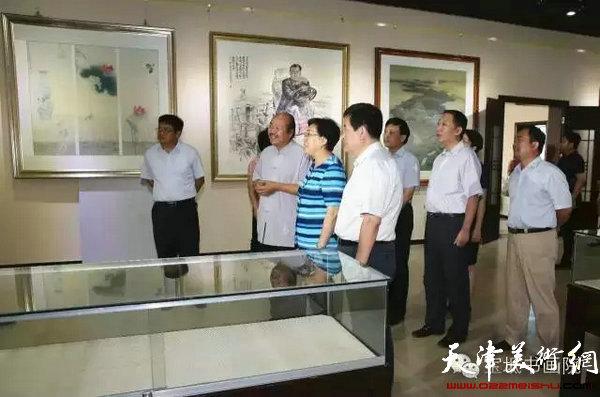 天津市副市长曹小红同志与宝坻区领导莅临书画院