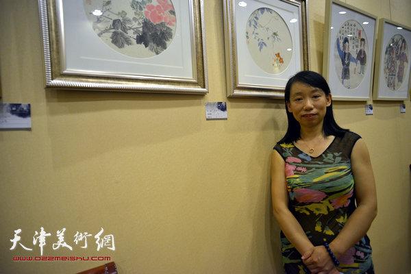 图为庄雪阳和她的作品。